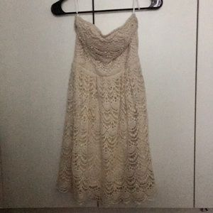 Vanity Lace Strapless Dress ☀️ size small